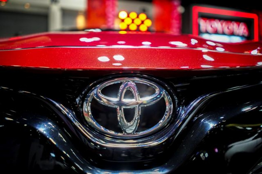 Toyota takes top spot as 2020's biggest auto maker
