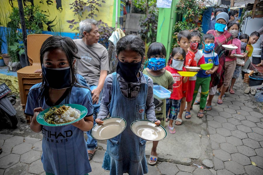 Reducing the impact of pandemic on global poverty