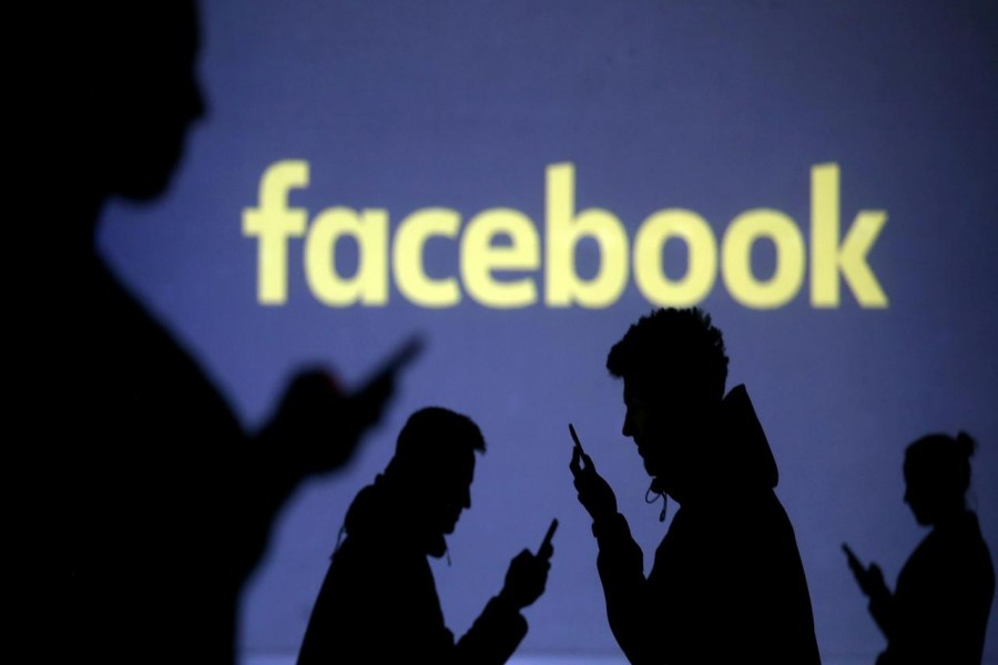 Facebook to remove posts with false vaccine claims