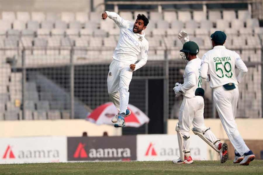 Miraz becomes fastest Bangladeshi bowler to take 100 Test wickets