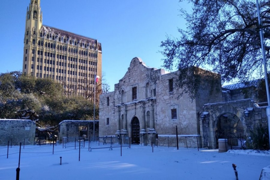 Cold snap leaves one dead, over 4.0m without power in Texas