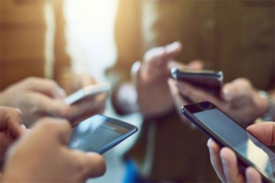 BTRC plans to launch NEIR on July 1 to block illegal handsets