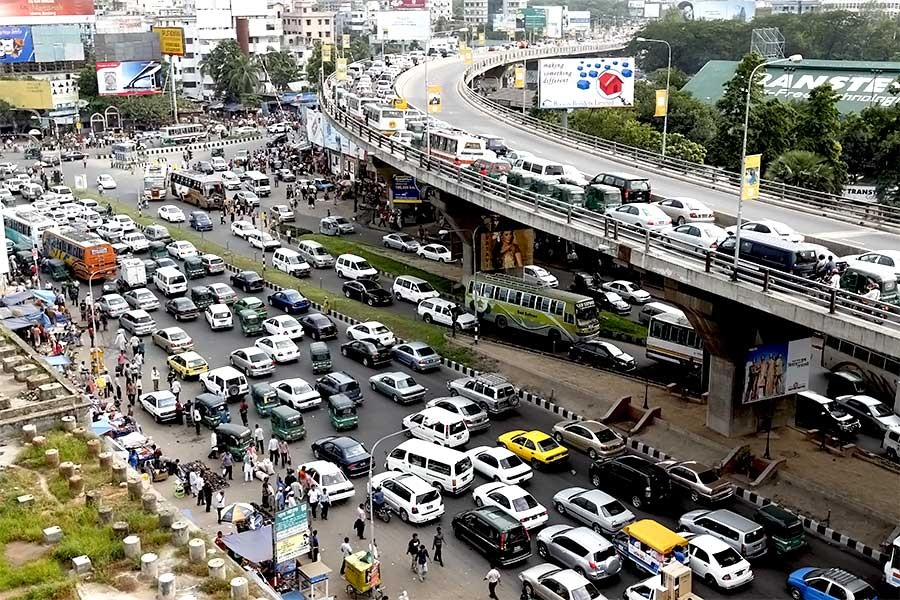 Dealing with traffic gridlocks in city