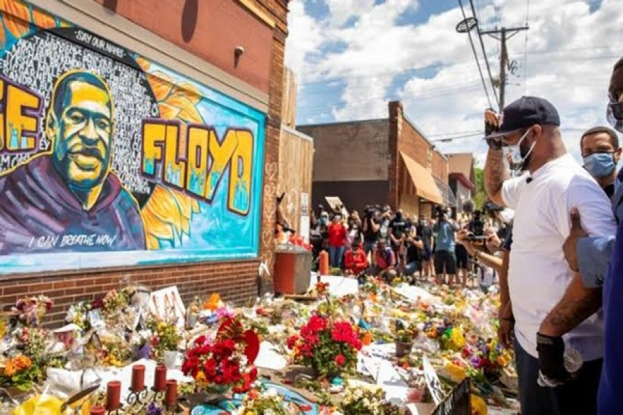 Terrence Floyd, brother of George Floyd, reacts at a makeshift memorial honouring George Floyd, at the spot where he was taken into custody, in Minneapolis, Minnesota, US, June 1, 2020 — Reuters/Files