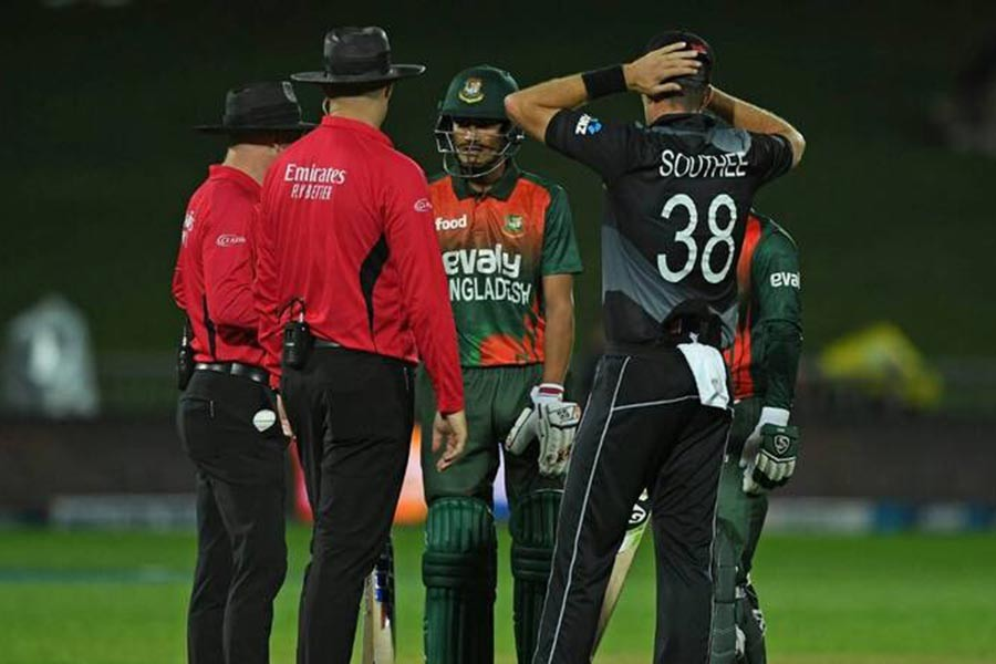 Tigers lose T20Is series despite blazing fifty from Soumya
