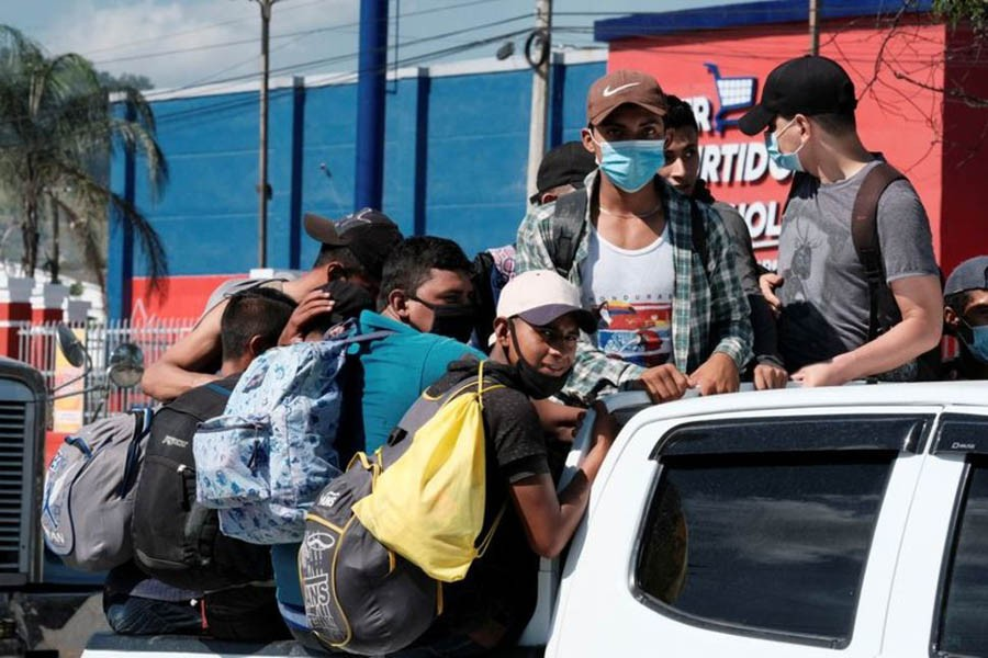 Migrant caravan of hundreds from Honduras departs for US
