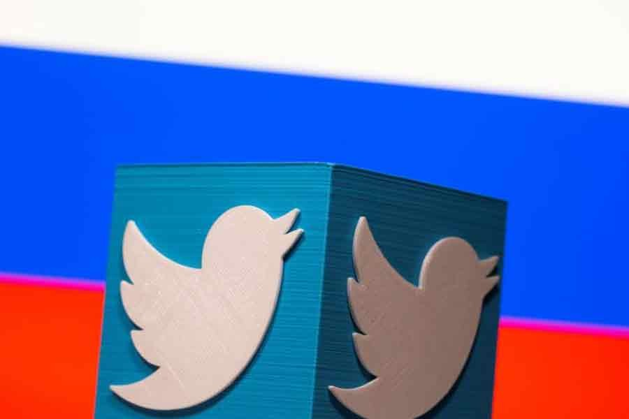 Russia extends punitive Twitter slowdown until May 15
