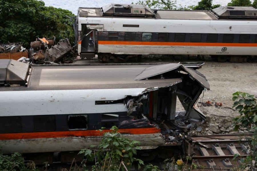 Truck landed on train track minute before deadly Taiwan crash