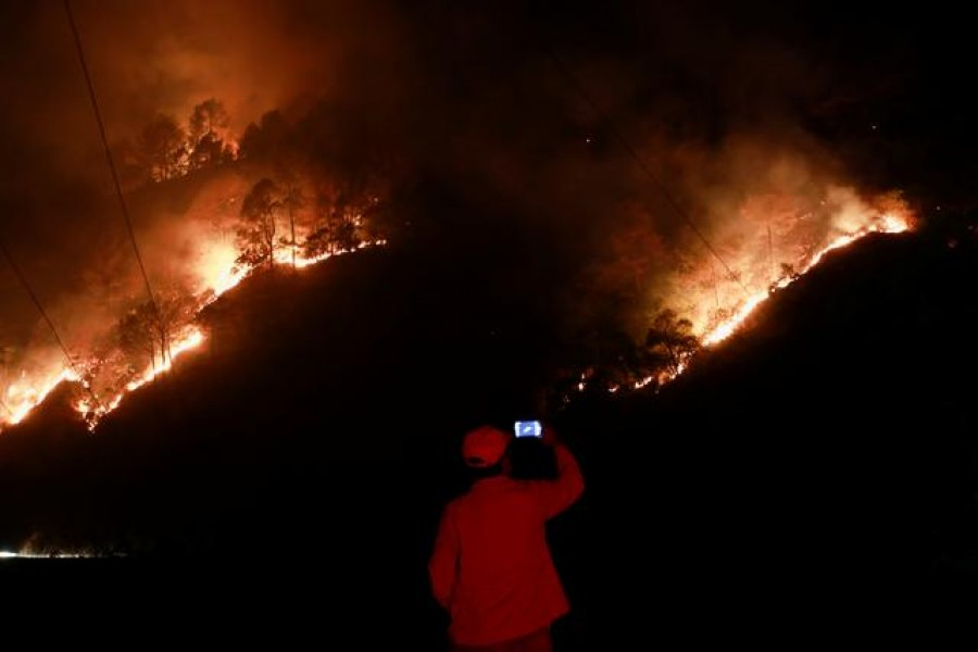 Nepal battles worst forest fires in years