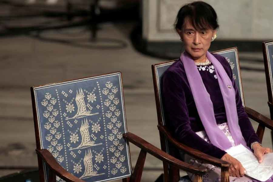 Detained Suu Kyi seeks permission to meet lawyers in person