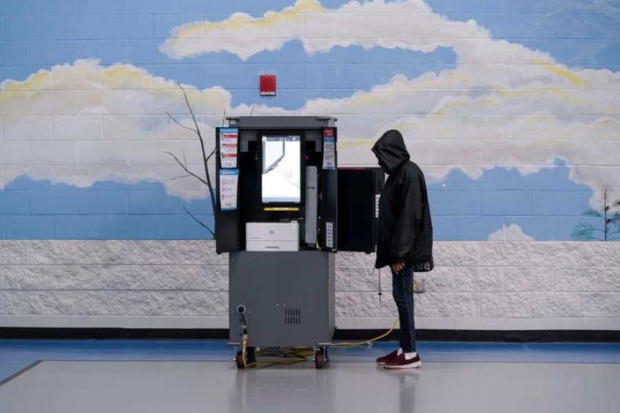 Voters cast their ballots in Georgia's Senate runoff elections at a Fulton County polling station in Atlanta, Georgia, US, January 5, 2021 — Reuters/Files