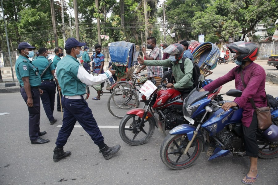 Dhaka traffic increases on second day of lockdown