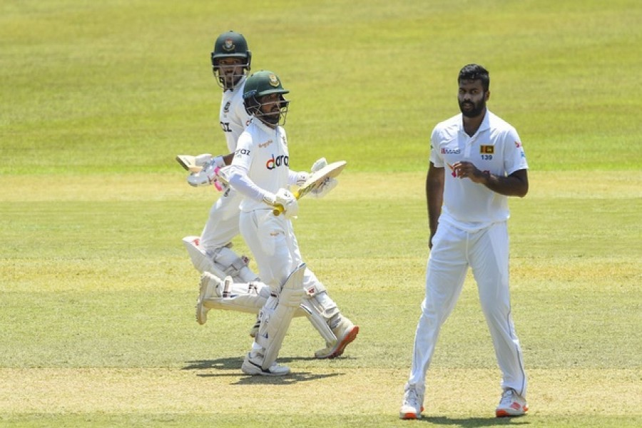 Bangladesh declare first innings at 541/7