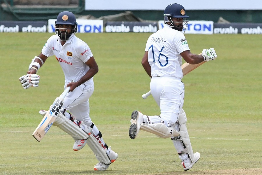 Bangladesh in more trouble as Sri Lanka stretch lead past 400