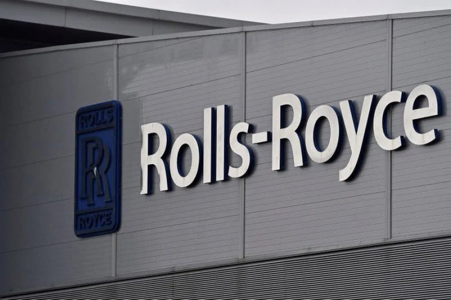 A Rolls-Royce logo is seen at the company's aerospace engineering and development site in Bristol, Britain on December 17, 2015 — Reuters/Files