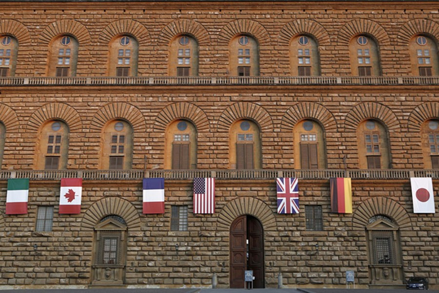 Flags of G7 countries at Palazzo Pitti, Italy Photo: VCG