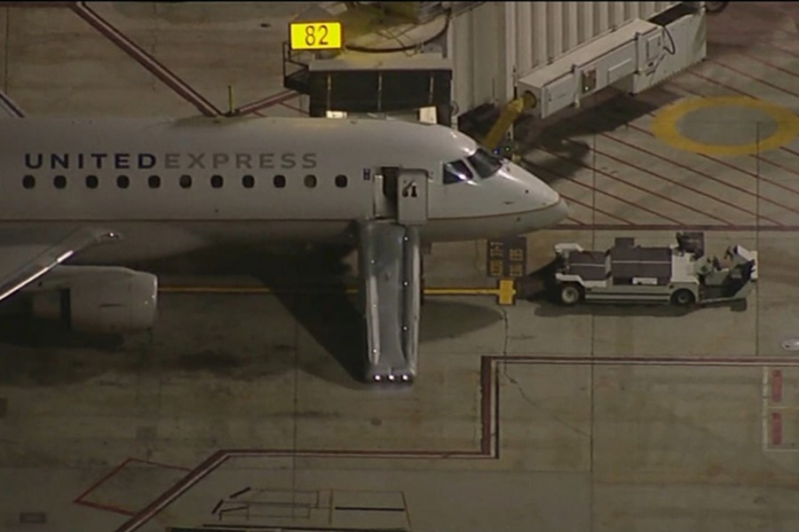 Man jumps off moving plane at Los Angeles airport