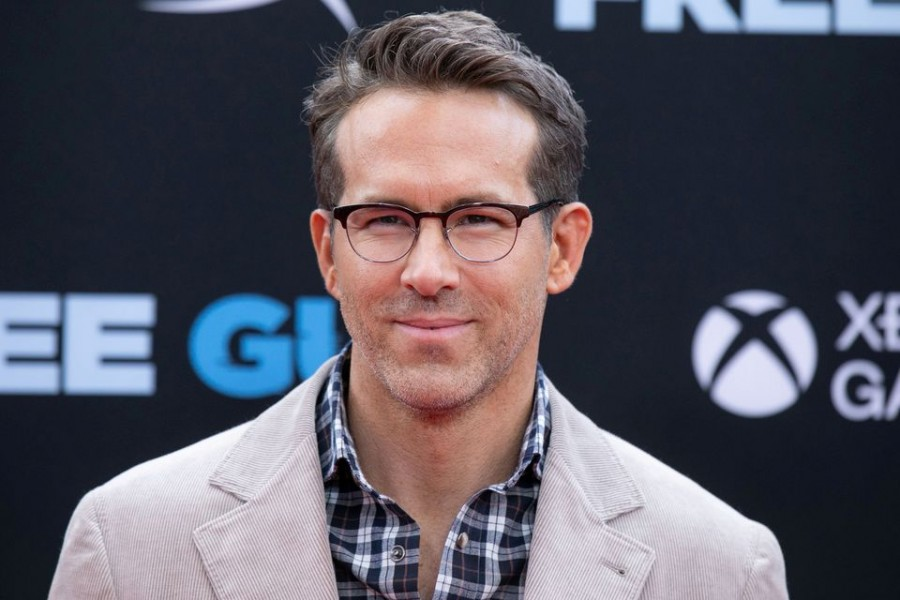 """Actor Ryan Reynolds poses at the premiere for the film """"Free Guy"""" in New York City, New York, U.S., August 3, 2021. REUTERS/Caitlin Ochs/File Photo"""