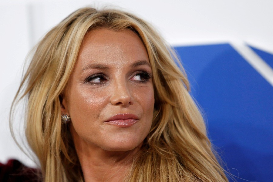Britney Spears' father asks court to end 13-year conservatorship
