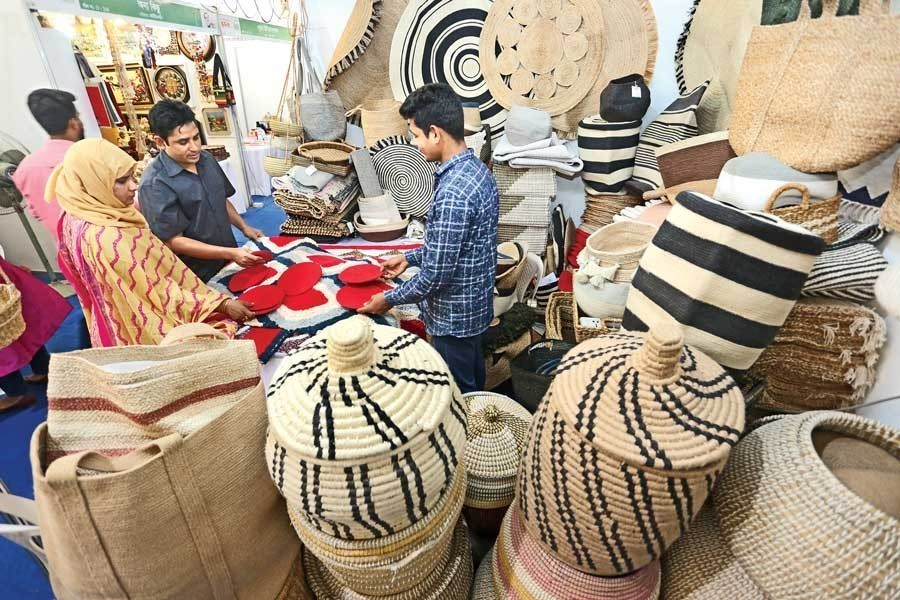 Visitors making inquiries at a stall of jute goods at the National SME Product Fair 2020 that concluded at the Bangabandhu International Conference Centre (BICC) in Dhaka — FE/Files