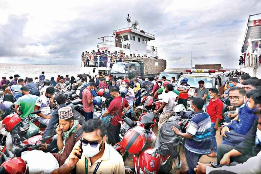 The photo of a ferry, which was full of passengers, was taken at Doulatdia Ferry Terminal in Rajbari during strict lock down in July this year — FE file photo