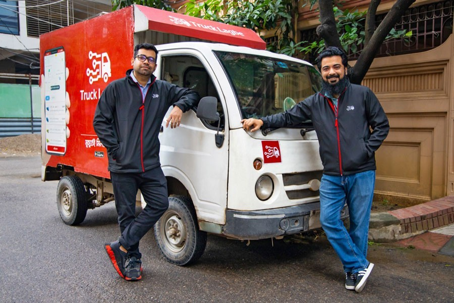(From right) Founder and CEO of 'Truck Lagbe' Anayet Rashid and its COO Meer Hosain Ekram