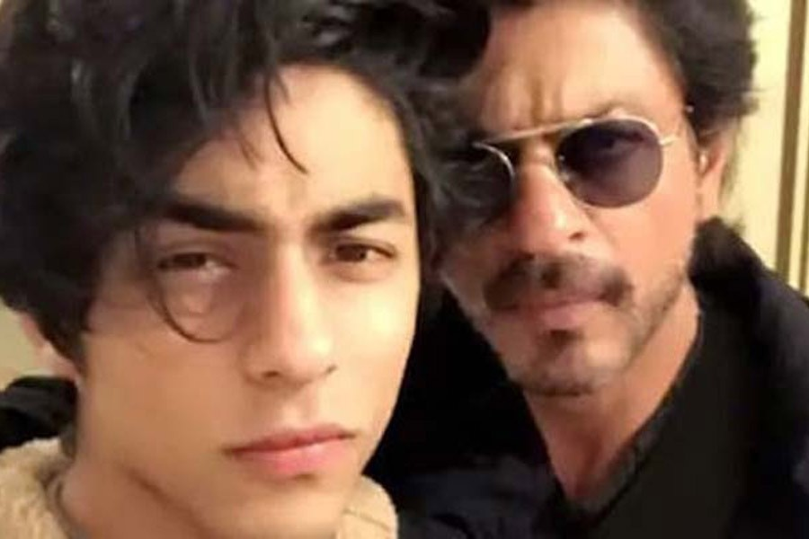 Shah Rukh's son Aryan interrogated over drugs on cruise ship