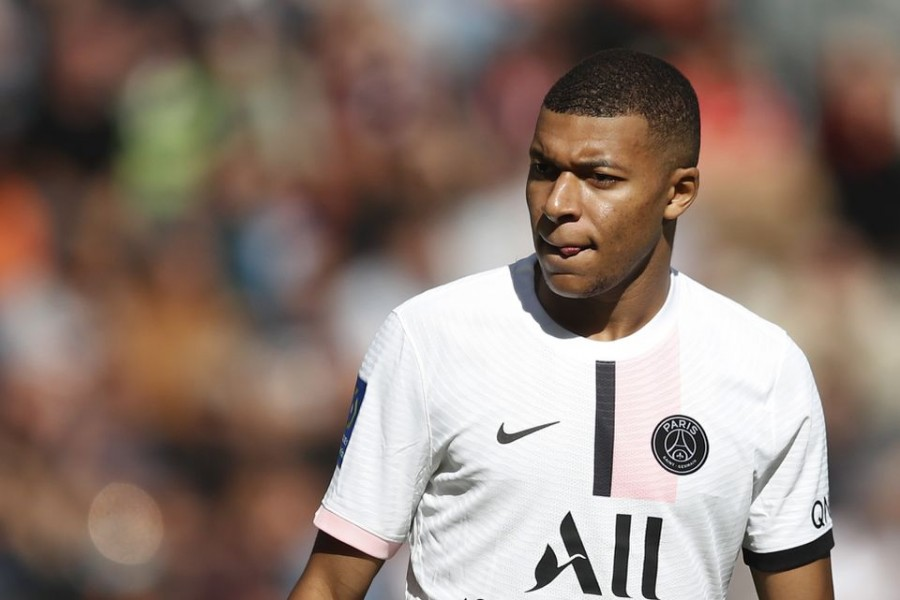 Mbappe clears the air with Neymar