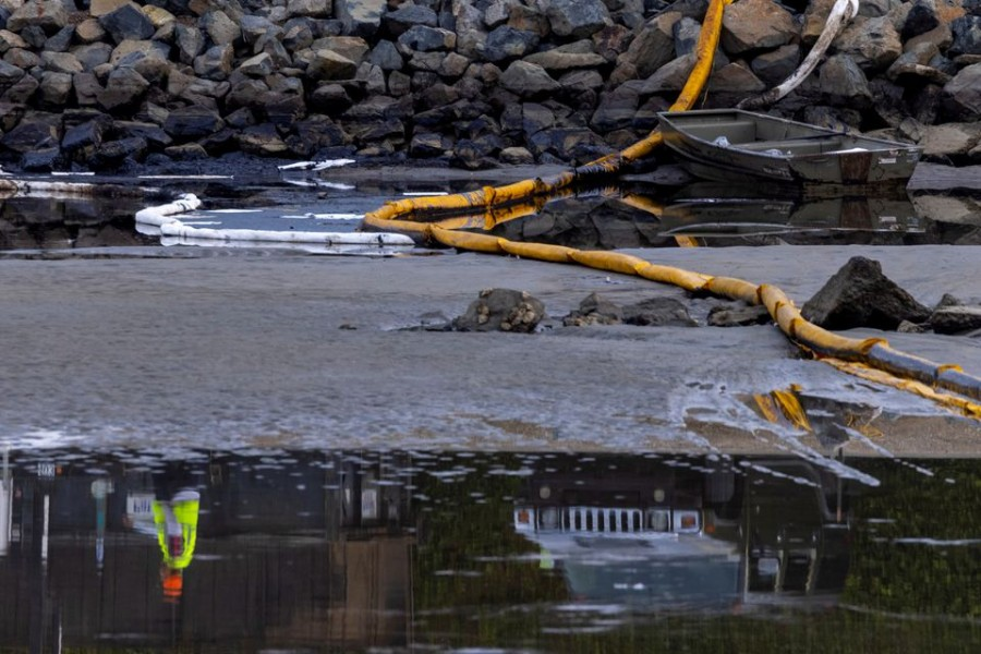Numerous ships waiting to unload at California port following oil spill
