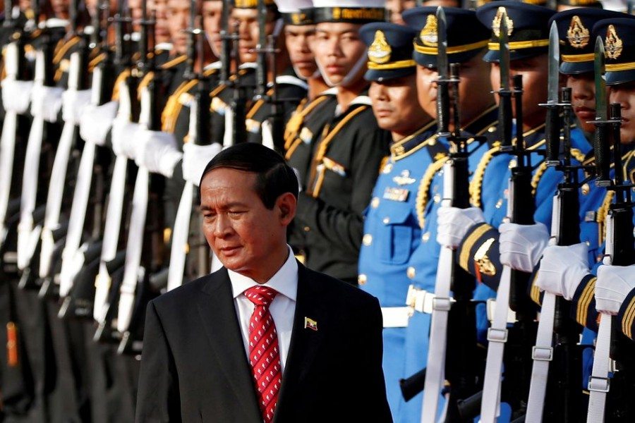Myanmar's president Win Myint reviews the honor guard during his welcome ceremony at the Government House in Bangkok, Thailand June 14, 2018. REUTERS/Soe Zeya Tun/Pool
